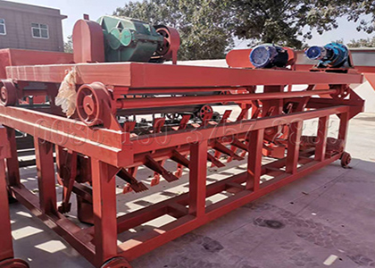 Groove type compost turner for poultry manure
